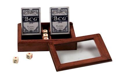 Комплект за покер в дървена кутия - 2 тестета карти и зарове