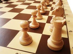 Дъска за шах от винил с фигури Стаунтон - ръчна изработка - 50/50