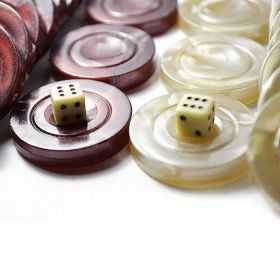 Пластмасови пулове за табла 30 мм и 2 пластмасови зарчета бяло/ черно