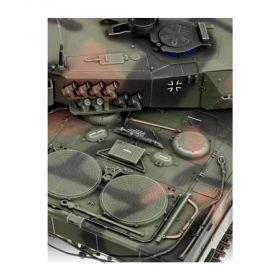 Танк Леопард 2A5 - Сглояеми модели Revell