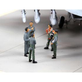 Пилоти от армията на NATO - Сглобяеми модели Revell