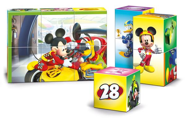 Пъзел с кубчета Clementoni от 12 части - Мики и приятели състезатели