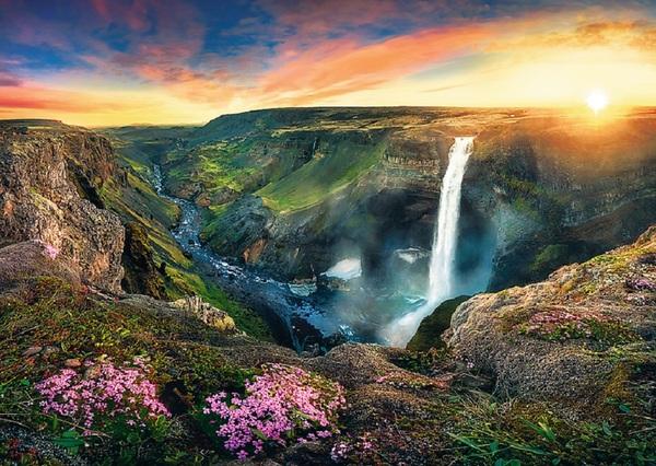 Пъзел Trefl от 2000 части - Водопадът Хайфос, Исландия