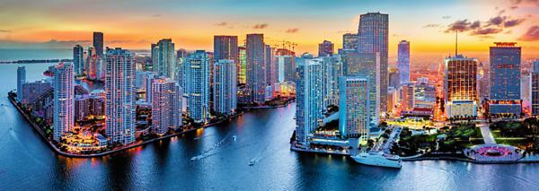 Панорамен пъзел Trefl от 1000 части - Панорама Маями