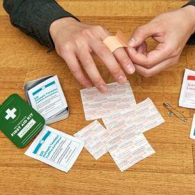 Комплект за първа помощ Kikkerland - Wilderness First Aid Kit