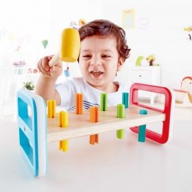 Hape  Дървена играчка с чукче - Дъга