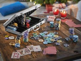 Покер комплект от 300 чипа в алуминиево куфарче