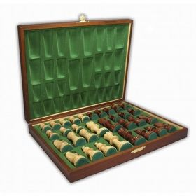 Дървени фигури за шах Стаунтон в дървена кутия с кадифе